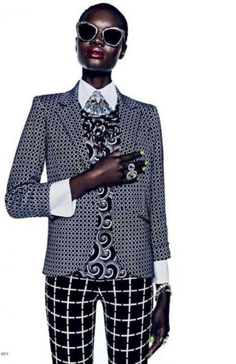 patterned-suit-clash