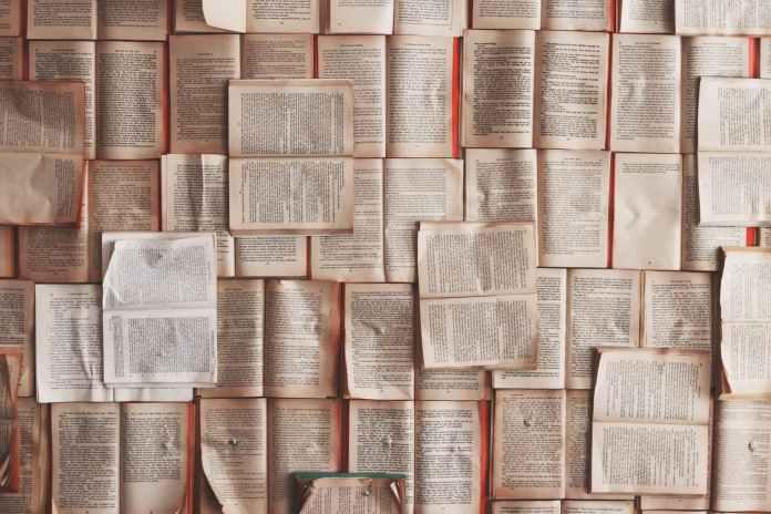 Page remplie de livre