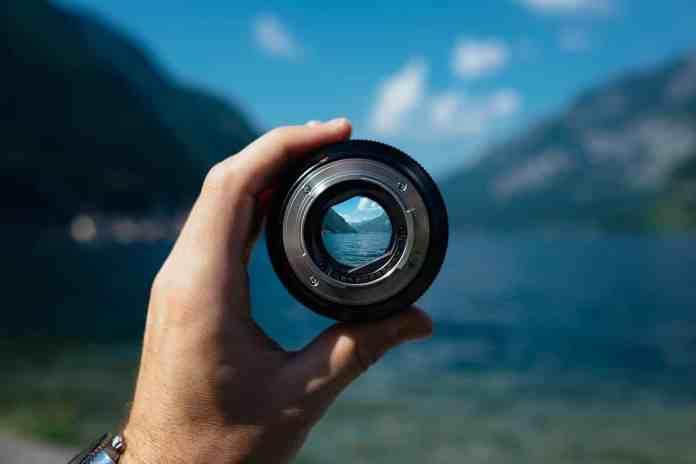 Objectif d'appareil photo permettant de voir au loin