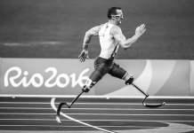 Sprinter avec des prothèses