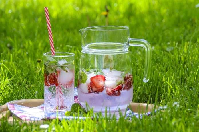 Pichet et verre d'eau