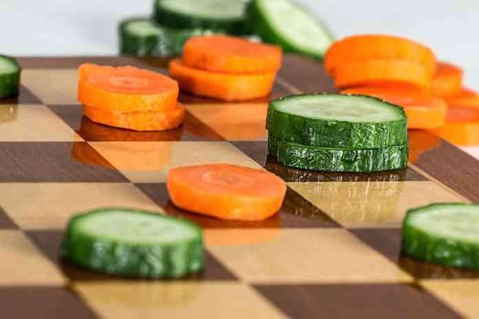 Légumes sur un échéquier