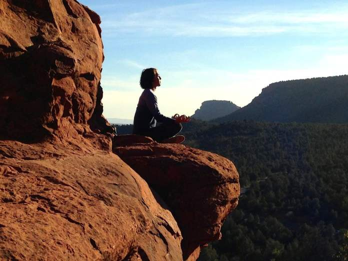 Méditation en bord de falaise