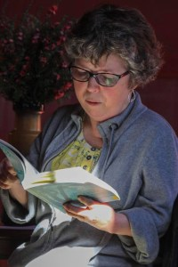 Trish Harris reading at Featherston Booktown, 2017