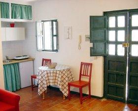 Comedor de apartamento en el Corral del Conde