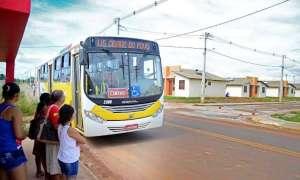 Em Rio Branco, mulher leva queda em ônibus e pode ser indenizada