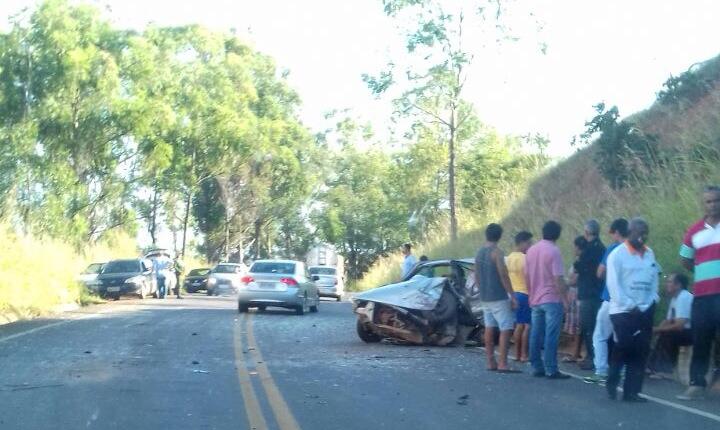 Casal de Lagamar morre em acidente na tarde desta terça-feira, 23; duas pessoas de Vazante também se envolveram