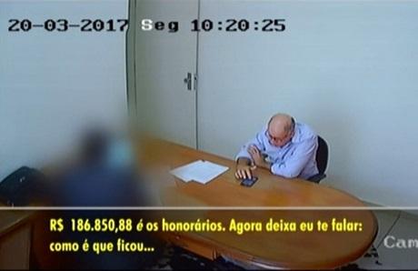 EM VÍDEO: Palito, ex-prefeito de Presidente Olegário, é filmado negociando propina