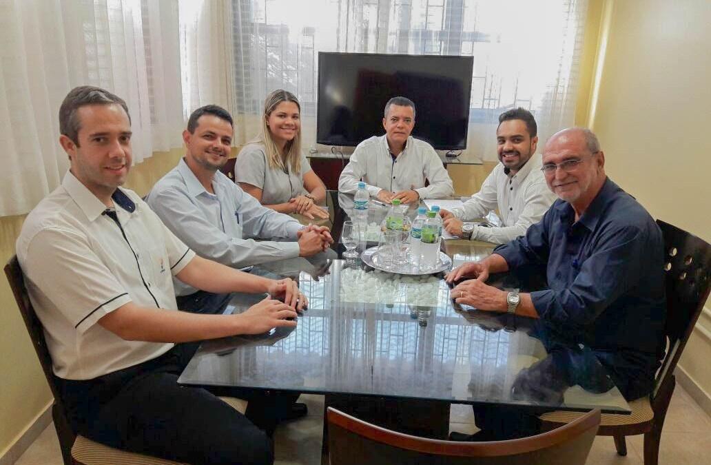 Prefeito de Vazante busca parcerias para o município