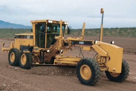 LAGAMAR: Comunidade de Morrinhos está recebendo manutenção das vias rurais