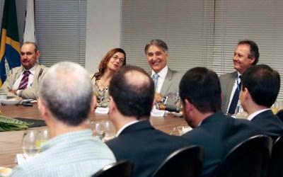 Fernando Pimentel comemora eficiência da Copasa em Minas Gerais