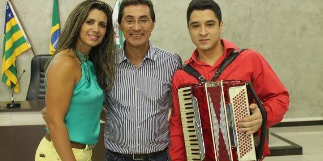 Chiquinho Oliveira volta a Morrinhos e participa de encontro com vereadores