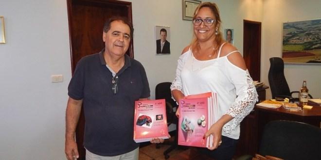 EDUCAÇÃO: Prefeitura entrega Kits do Sistema Pomares para os alunos