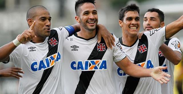 Vasco vence Bangu com gols de Rodrigo e Luan e se aproxima da liderança