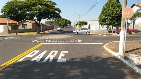 Sinalização Rua Felício Chaves sentido Delegacia para Complem