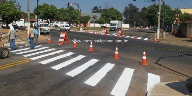 ESQUINA PERIGOSA: SMT instala semáforo na Avenida Coronel Pedro Nunes com Rua Amazonas