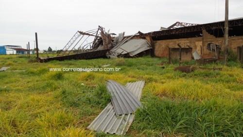 Chuva, e vento forte causam estragos em Morrinhos