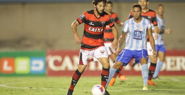 Atlético-GO perde em casa para o Macaé e se complica na série B do brasileirão
