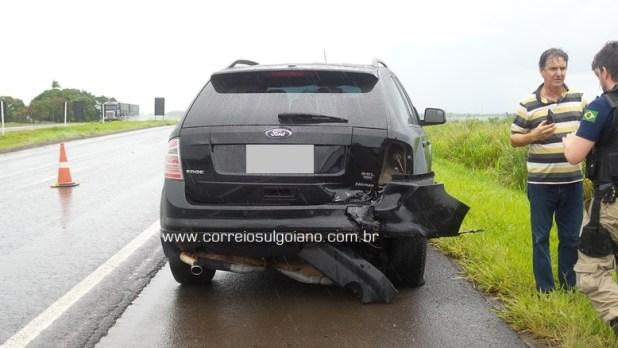 Ford Edge que foi abalroado por trás