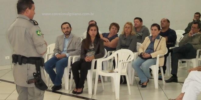 Um fiasco a presença de comerciantes na reunião sobre Segurança Pública!!! Mas, as autoridades compareceram e salvaram o encontro na ACIM