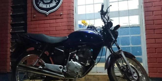 Polícia Civil prende suspeito de receptação e recupera moto furtada em Morrinhos
