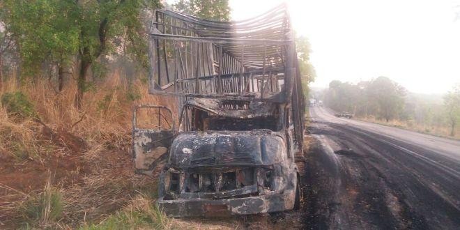 04 motoristas morreram em incêndio após acidente provocado por ultrapassagem em local proibido