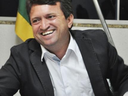 TSE Concede decisão em caráter liminar favorável ao prefeito Evandro Magal e seu vice que voltarão aos seus cargos