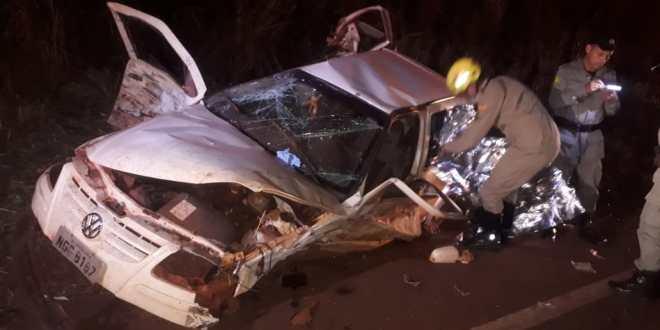 TRAGÉDIA NA ESTRADA – Mãe e duas crianças morrem em grave acidente na BR-452 em Itumbiara