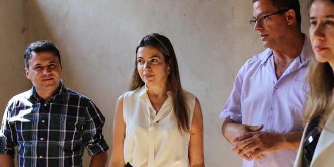 Juíza Patrícia Bretas recebe autoridades em visita às obras de construção da nova delegacia de polícia civil