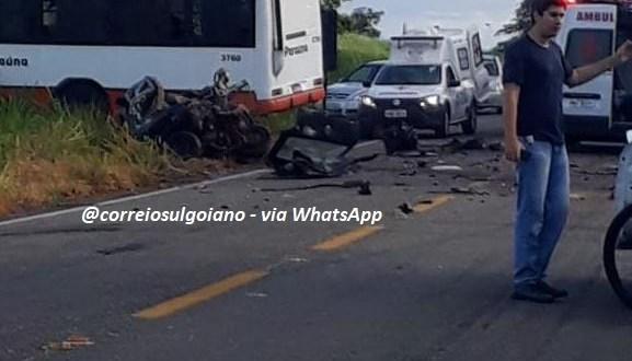 MORTE NA RODOVIA: Acidente em Rio Quente causa morte de técnico em enfermagem e deixa 17 feridos