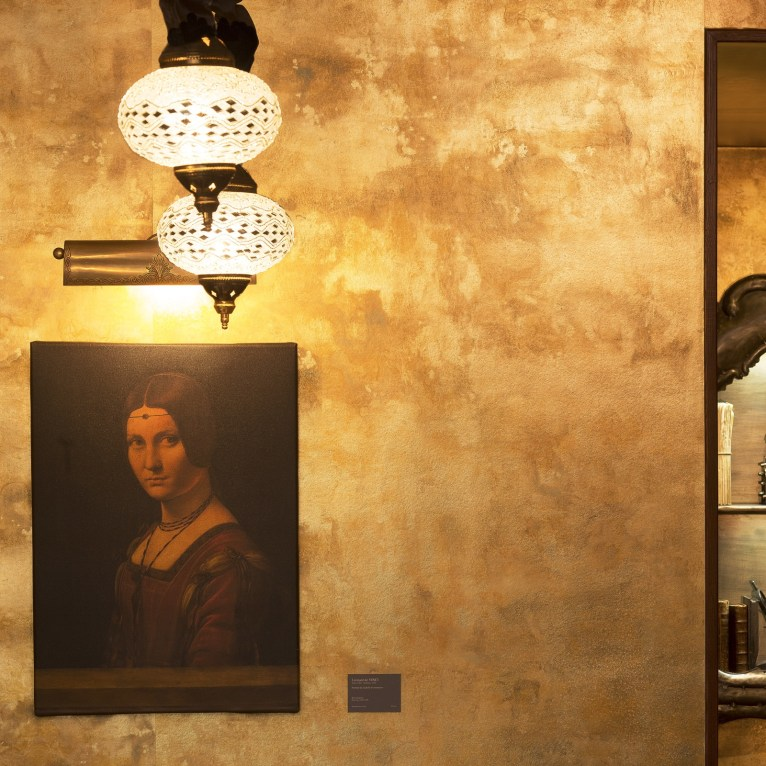 hotel-da-vinci-lobby-detail-3
