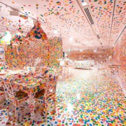 Yayoi Kusama The Obliteration Room, 2002 to present Furniture, white paint, and dot stickers Dimensions variable Collaboration between Yayoi Kusama and Queensland Art Gallery. Commissioned Queensland Art Gallery, Australia. Gift of the artist through the Queensland Art Gallery Foundation 2012. Collection: Queensland Art Gallery, Brisbane, Australia Photograph: QAGOMA Photography © Yayoi Kusama