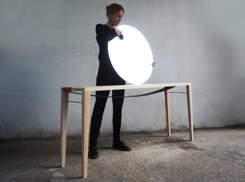"Katharina Eisenköeck e a mesa ""Sunrise"""