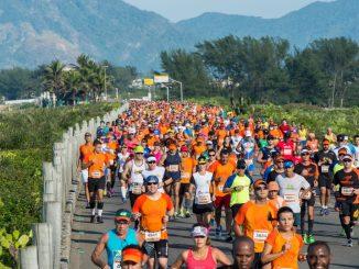 Corredores da Maratona do Rio no Recreio dos Bandeirantes. Foto de divulgação