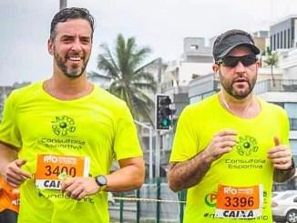 Os novos maratonistas Cristiano Goldenberg (à esquerda) e Bruno Bussade, da morte súbita aos 42km