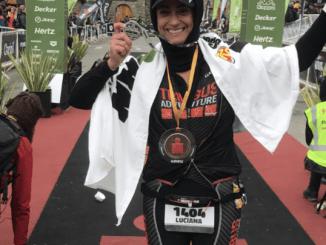 A juíza Luciana Mocco na linha de chegada do Ironman 70.3 Bariloche. Foto: Arquivo pessoal