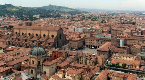 Bologna incentivi per bici e scooter elettrici