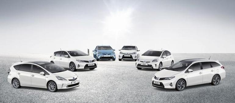 Gamma Ibrido Toyota e Luxus
