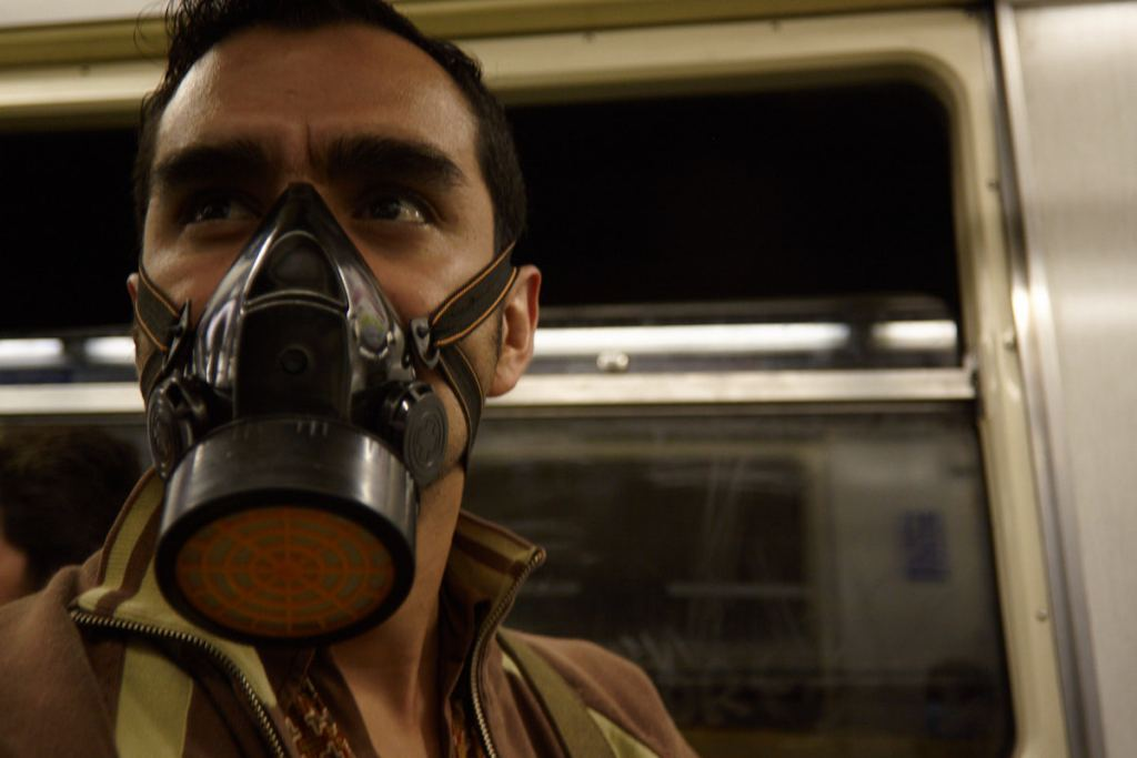 Máscara antigas en el Metro
