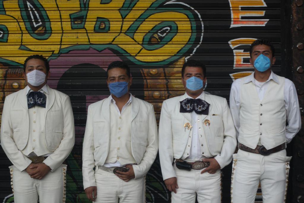 Mariachis e influenza