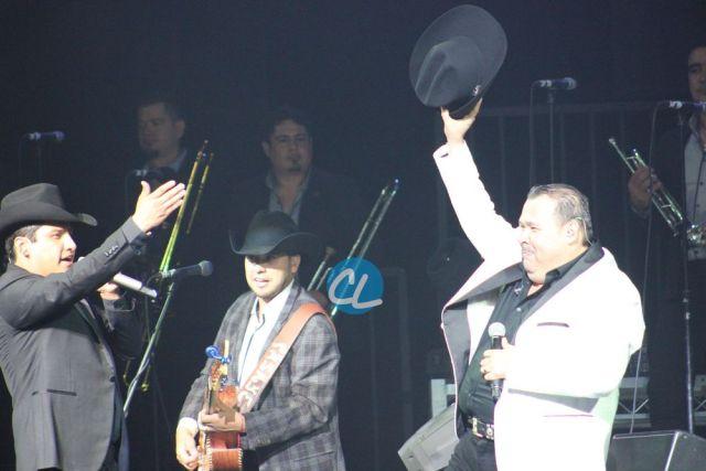 La Banda en el concierto de Julion Alvarez en Madison Square Garden 7/30/2016