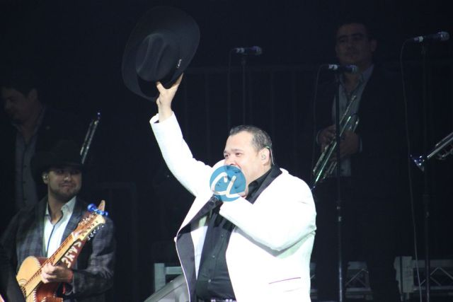 El Coyote en el concierto de Julion Alvarez en Madison Square Garden 7/30/2016
