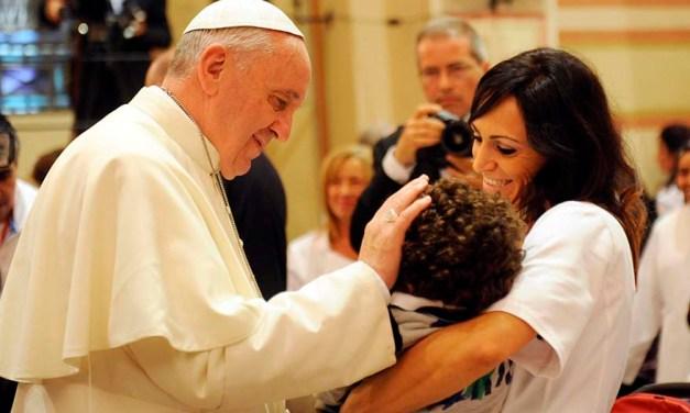EL PAPA FRANCISCO CONFIRMA QUE ESTARÁ CON LAS FAMILIAS DEL MUNDO EN DUBLÍN