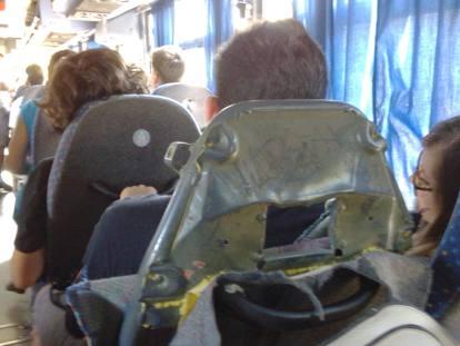 Da San Marco a Napoli in bus, biglietti non numerati e caos