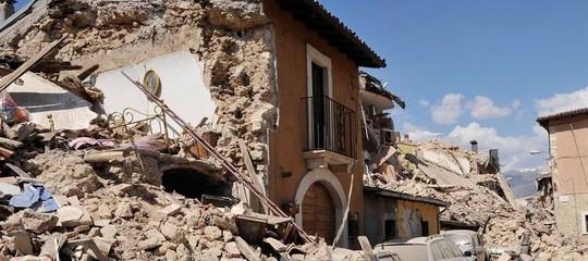 burocrazia ritardi terremoto ricostruzione