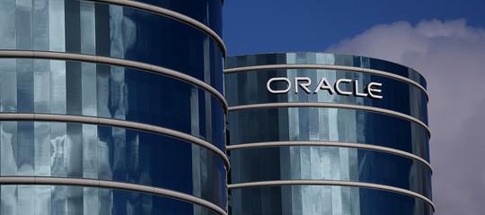 Oracle paga le donne 13.000dollari in meno dei maschi? Via alla classaction