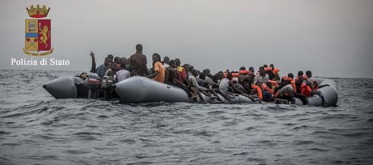 Crollano gli arrivi di migranti in Italia, secondo Frontex: 95 mila in meno nel 2018