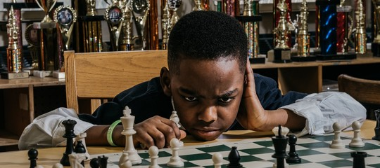 campione scacchi rifugiato senza tetto