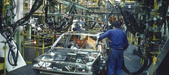 Volkswagen annuncia taglio di 7.000 posti