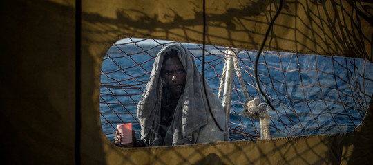 Migranti sbarco Sea Eye